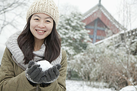 冬至节气发什么祝福短信?冬至节气祝万事顺意