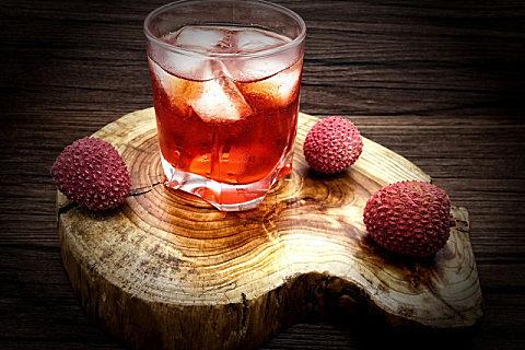 荔枝泡酒有哪些好处 荔枝泡酒这个步骤很关键!