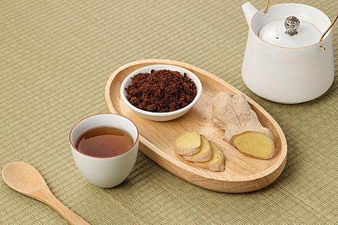 痛经红糖姜水和益母草能一起喝吗?缓解痛经姜茶这样煮