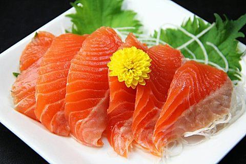 生鱼片怎么处理干净 切生鱼片有有讲究!