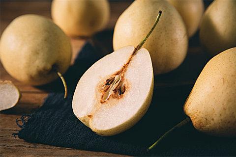 梨适合生吃还是熟吃?秋天吃梨的好方法