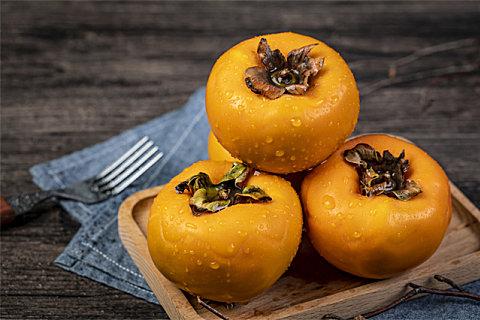 来月经能不能吃柿子