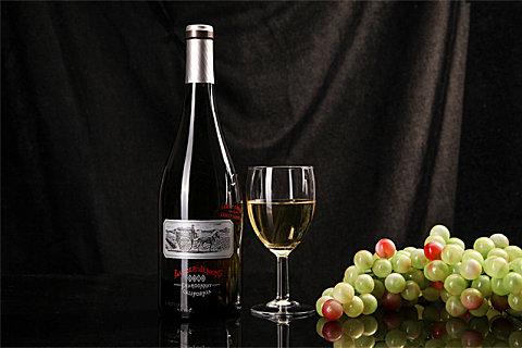 干白葡萄酒用不用醒酒