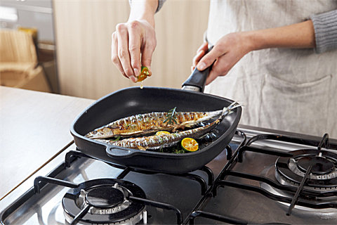 秋刀鱼怎么吃比较好