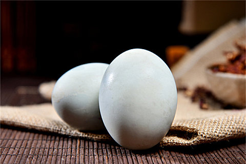 鸭蛋不能和什么一起吃