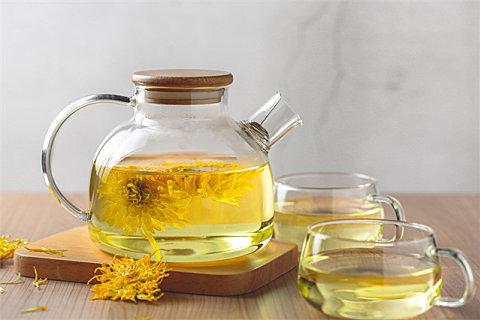 秋天适合喝菊花茶吗?菊花茶怎么搭配健康?