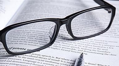 眼镜是谁发明的