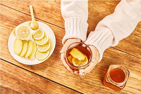 姜茶应该饭前喝还是饭后喝