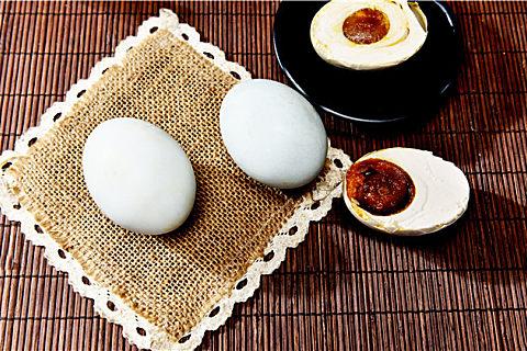 真鹅蛋和假鹅蛋区别 吃鹅蛋好处多但可别买到假的