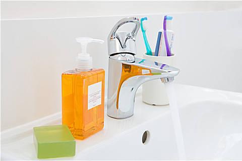 香皂好用还是洗手液好用