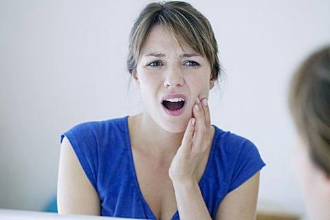 智齿痛的缓解方法