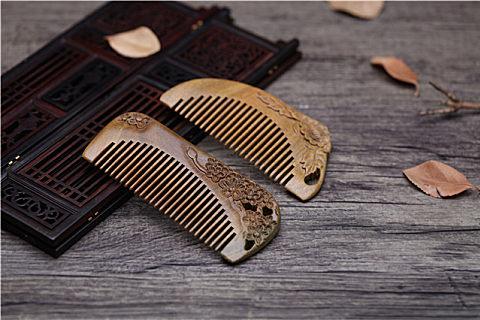 女性适合木梳还是牛角梳