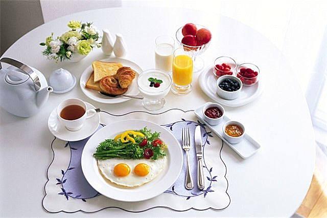 早上应该先运动还是先吃饭