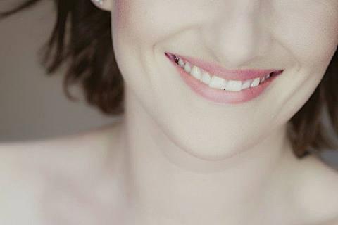 经常笑的人容易长皱纹吗?预防皱纹的好方法