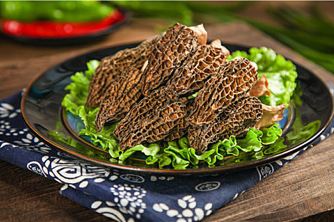 羊肚菌能和石斛一起炖汤吗