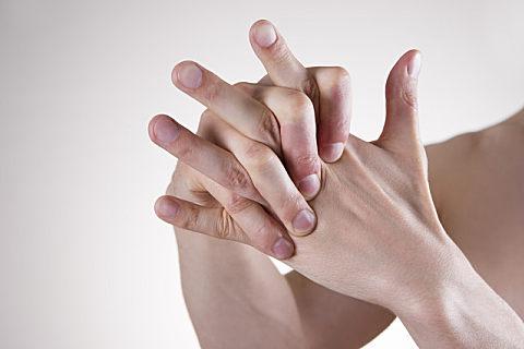 指甲颜色与健康的关系