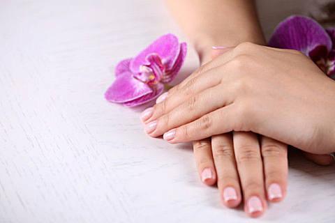 指甲颜色发紫是什么原因