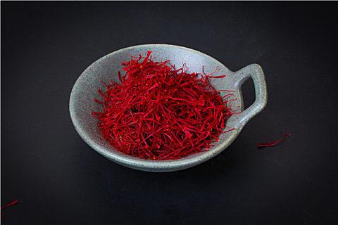藏红花和茶叶能一起泡水喝吗