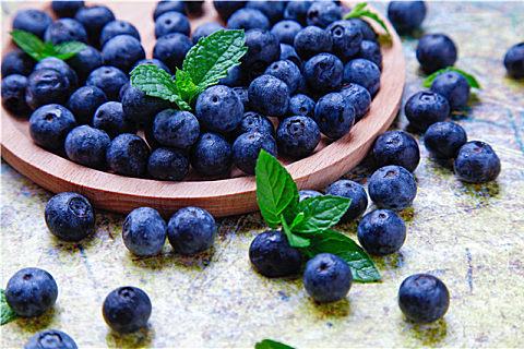 怎样分辨蓝莓的真假