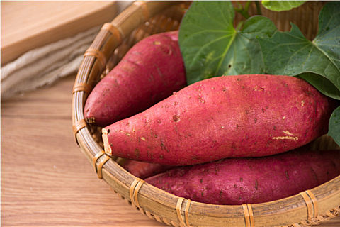 红心红薯和白心红薯的区别 挑选红薯的方法技巧准保香甜