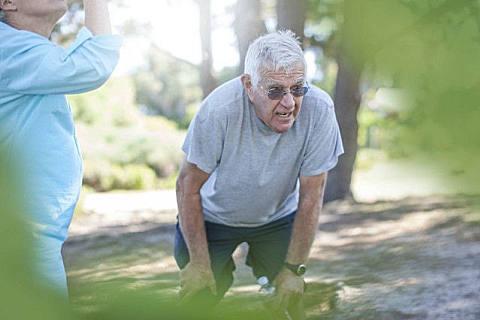 老年人摔倒怎么办