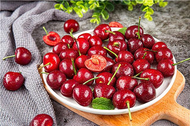 车厘子等进口水果清洗办法 车厘子和樱桃的区别你知道吗?