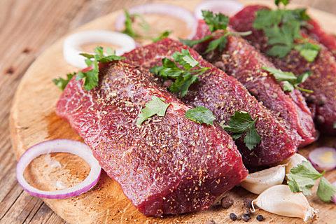 为什么牛肉可以生吃猪肉不行