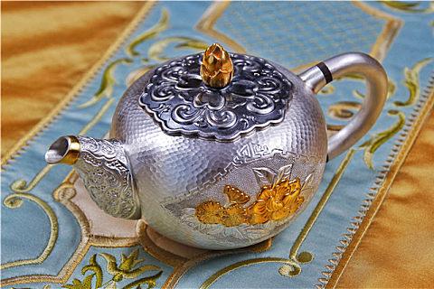 银茶壶熬茶的好处