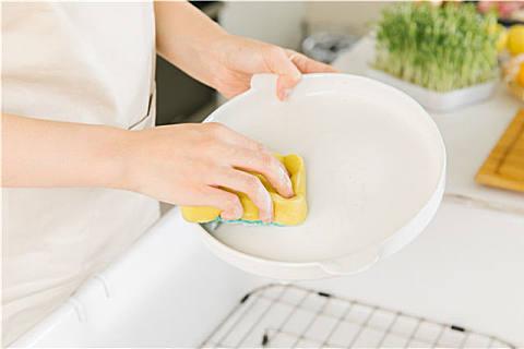 洗洁精除了洗碗还能干什么?洗洁精的妙用