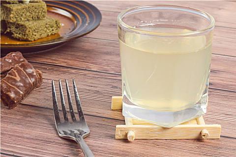 喝蜂蜜水有什么坏处?蜂蜜水应该用什么温度的水?