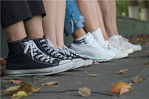 新鞋子总是磨脚,避免新鞋磨脚有什么小妙招?