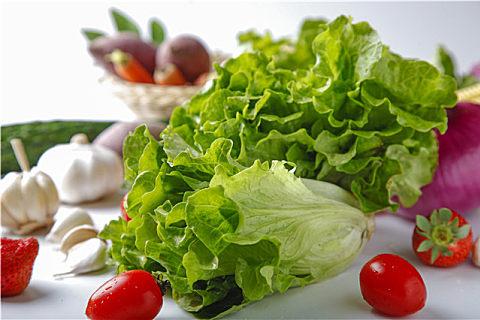 生菜生吃好还是熟吃好?吃生菜美容减肥好处多