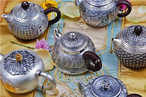 银壶的使用和保养方法