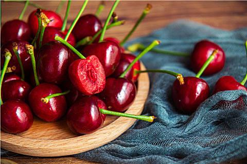 吃车厘子会过敏吗?辨别车厘子和大樱桃的方法