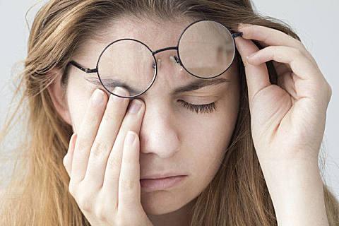 缓解眼疲劳的方法技巧
