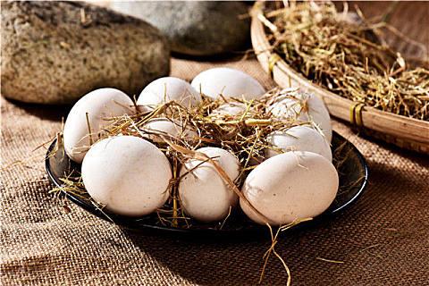 土鸡蛋和草鸡蛋的区别