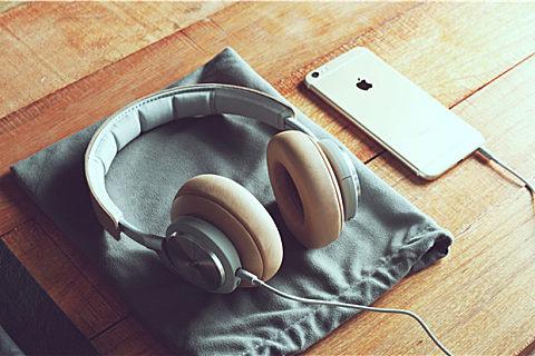 怎样戴耳机防止耳鸣?耳机的正确使用方法必须掌握