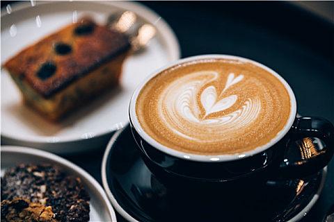 意式咖啡机与美式咖啡机优缺点