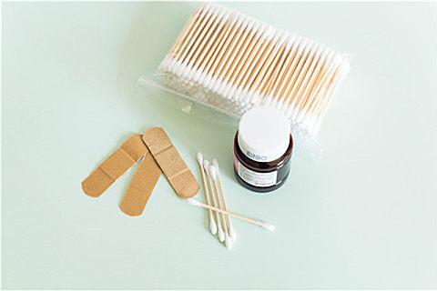 普通棉签可以处理伤口吗?医用棉签和灭菌棉签的区别