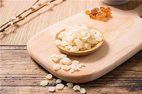 女人吃皂角米有什么好处?皂角米的禁忌人群,错食危害大